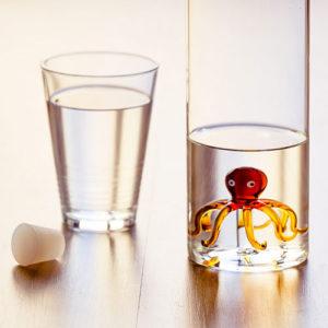 """Bottiglia """"Octopus"""" polipo delfino 1,2 l. vetro borosilicato"""