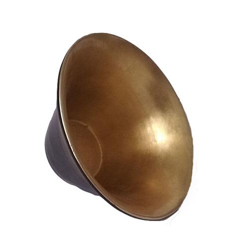 Vaso svasato nero e foglia oro